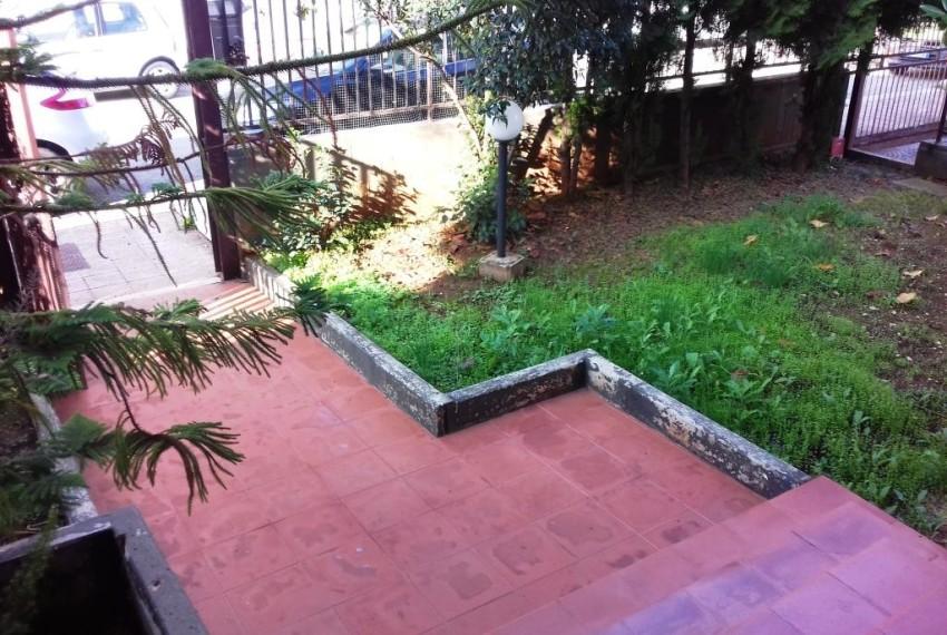 ingresso - giardino antistante