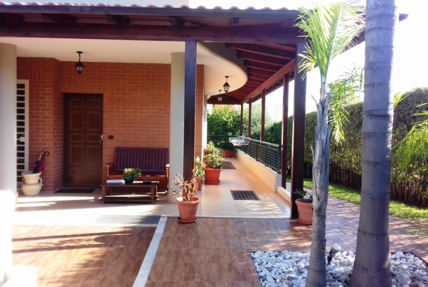 ingresso - giardino anteriore (2)